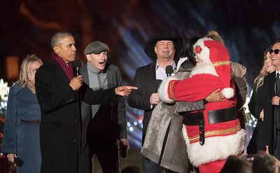 Barack Obama, National Christmas Tree, Michelle Obama, Santa