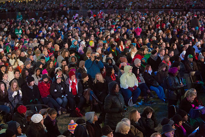 Barack Obama and the First Family flicked the switch to light up the National Christmas Tree  before an estimated crowd of 17,000 on the Ellipse, near the White House in Washington D.C. on December 6, 2012  (Photo by Jeff Malet)