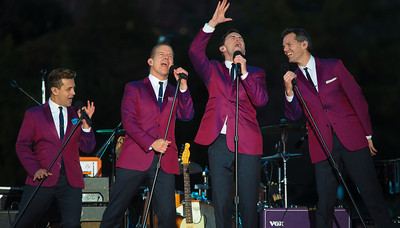 """The Midtown Men, stars from the original Broadway cast of """"Jersey Boys"""" entertain at the 90th annual lighting of the National Christmas Tree. President Barack Obama and the First Family flicked the switch to light up the tree before an estimated crowd of 17,000 on the Ellipse, near the White House in Washington D.C. on December 6, 2012  (Photo by Jeff Malet)"""