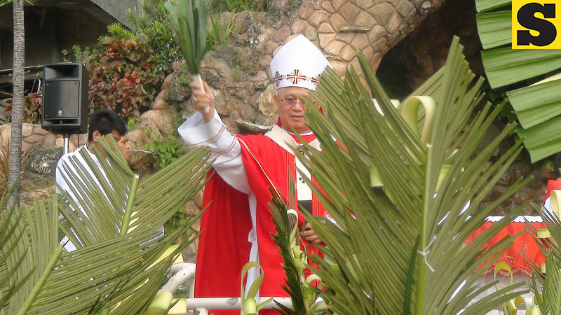Cebu Archbishop Jose Palma led the blessing of the palm leaves on Palm Sunday at the Cebu Metropolitan Cathedral.