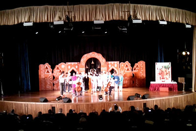 Short video clip on Samsung Galaxy S mobile phone of Western Violin & Cello - Gerard & Antom Spronk (Netherlands) just to give a feel of the audio/video.  1st Annual Nrtya-Sura-Bharati Festival organized by Chinmaya Naada Bindu (Chinmaya Mission) was held from 24th December to 01st January, 2011 at Chinmaya Vibhooti, Kolwan, Maharashtra.