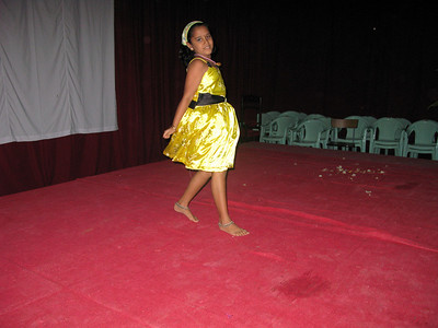 The daughter of Sofie, receptionist at philosophy house of studies in Aluva, entertains with a dance.