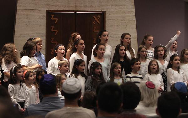 Shabbat children's choir 120415
