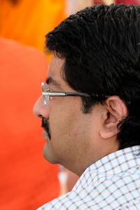 Side portrait of Kumar Mangalam Birla. Swami Tejomayanandaji, Chinmay Mission was the chief guest at the inauguration of the Ganesh Idol at Talegaon on 17th January 2009. Shri Mangal Moorati Moorya (Ganesh Idol) has been a dream project of Basant Kumar Birla and Sarala Birla. The beautifully sculpted idol of Ganesha, measuring 54 ft stands towering on a hillock astride the Pune-Mumbai express and NH-4. Designed by the famous sculptor Sri Matu Ram Verma and his son, Naresh Kumar Verma of Pilani, Rajasthan, it took three years of relentless hard work  to make this reinforced concrete idol which is covered with a copper coating.