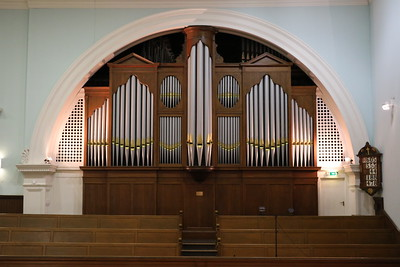 Organ in the north gallery
