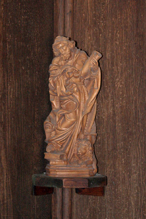 Figure in corner of sanctury at St Marks, South Park