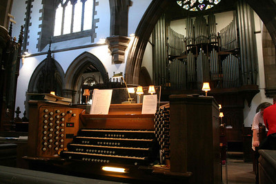 04 St Ninians Perth - Organ Console