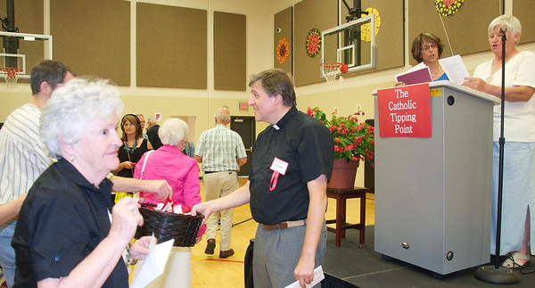 400 gather in Cincinnati, OH to meet with Fr. Helmut