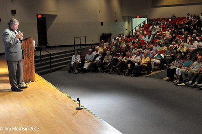 450 people gather in Cleveland for conversation with Fr. Helmut
