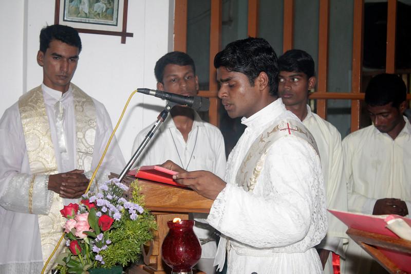 Deacon Abraham proclaims the Gospel.