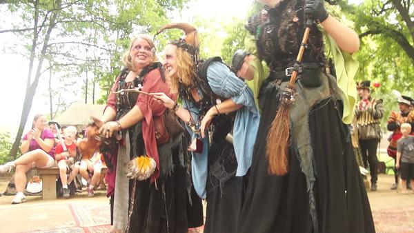 Bristol Faire Witches do MacBeth