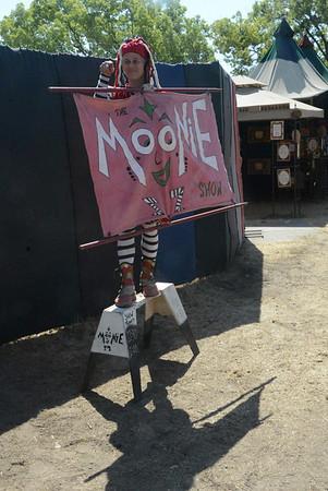 MooNie 21 April 2013