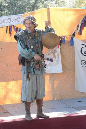 Adam Reid, The Bawdy Juggler, at Escondido 2 November 2013
