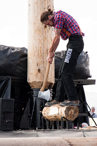 Stihl Timbersports Demo - Underhand Chop