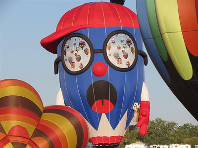 Balloon watching Balloon