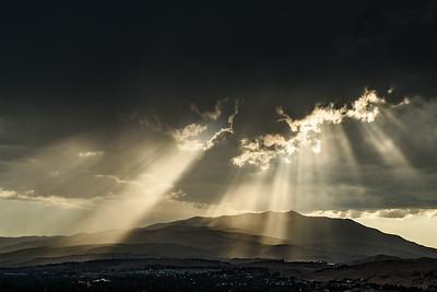 Rays over Peavine 9552