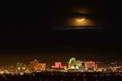 Reno skline moonset 8280