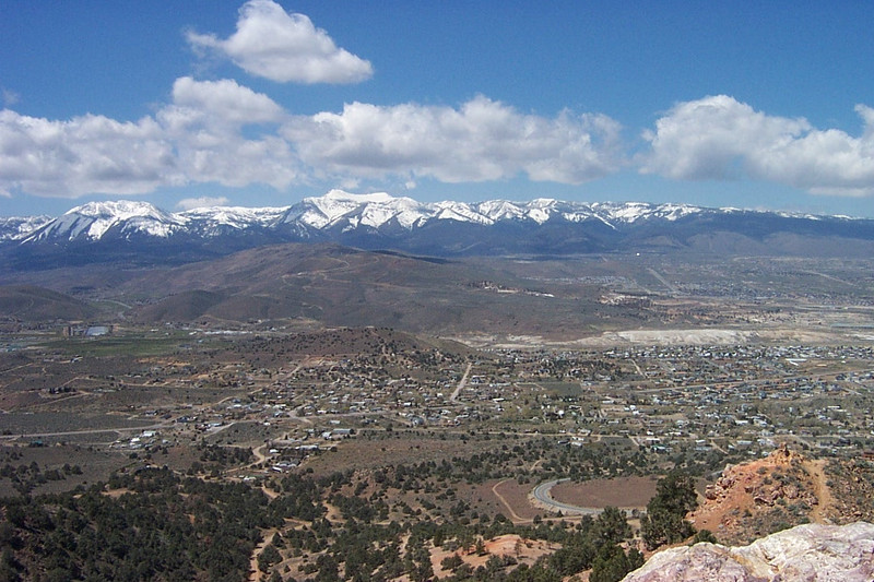 This is looking west toward California.  Lake Tahoe is up in those mountains.<br /> [South of Reno]