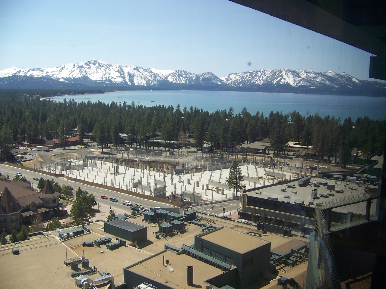 This is the spectacular view of the lake from Harrah's buffet.  I've yet to stay at Tahoe, but I have received free night offers from them.  It would be nice to spend a couple days there!<br /> [Lake Tahoe]