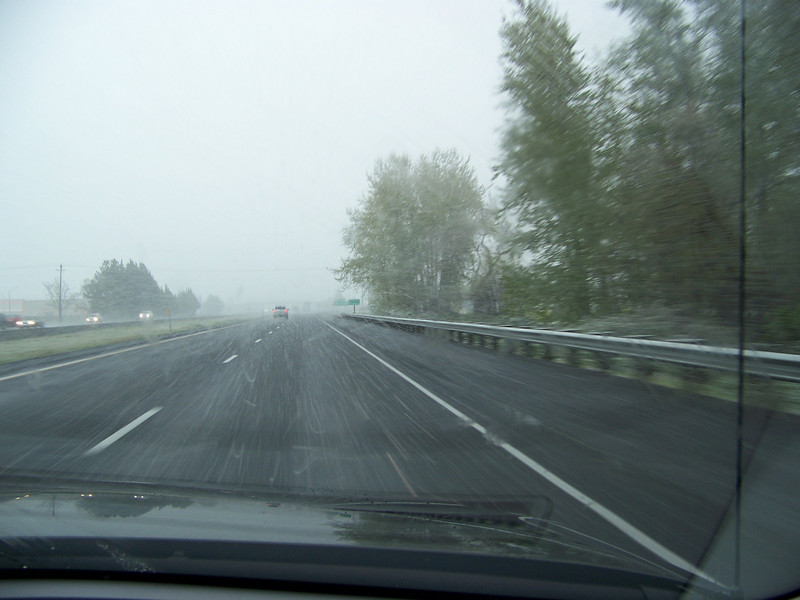 Uh-oh!  Here we are on the road to Reno.  In-between Medford and Ashland, Oregon, the snowflakes started falling.