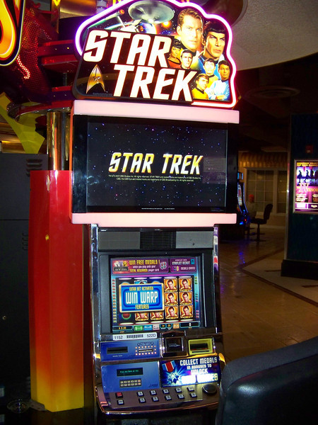"""Jeff's a huge Star Trek fan (he wrote <b><a target=""""_new"""" href=""""http://www.amazon.com/Star-Trek-Voyages-Imagination-Companion/dp/1416503498/ref=sr_1_3?s=books&ie=UTF8&qid=1377740406&sr=1-3&keywords=jeff+ayers"""">a non-fiction book about the Star Trek novels!</a></b>), so I probably should've played his money in this Star Trek slot machine at Harrah's.  Next time!  :-) [Reno]"""