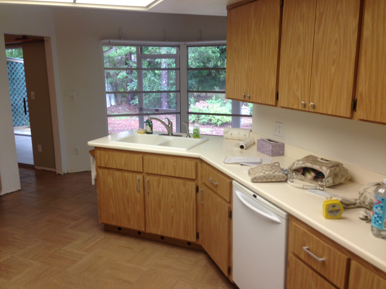 View of the kitchen before the renovation