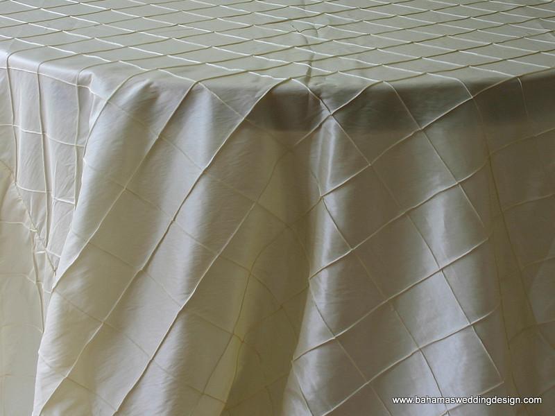 "4"" Pintuck Taffeta - Ivory Available Linens: 132"" Round"