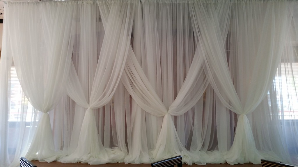 2pc flat backdrop with criss cross overlay detail