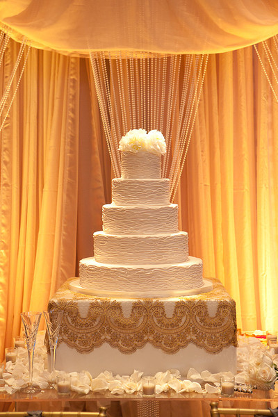 another custom cake box!  Adorable! We also have the pearl curtain available for rental!