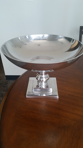 I have (2) of these low silver compote style urns. They can be sprayed any color you desire as well!