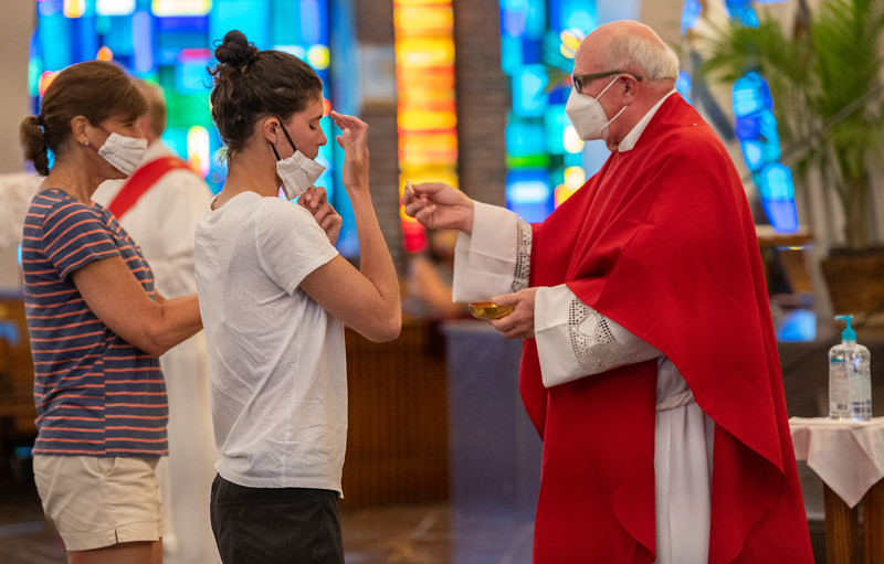 Parishioners at St. Margaret Church in Bel Air attend their first Mass May 30, 2020 following many weeks of quarantine due to the coronavirus pandemic. (Kevin J. Parks/CR Staff)