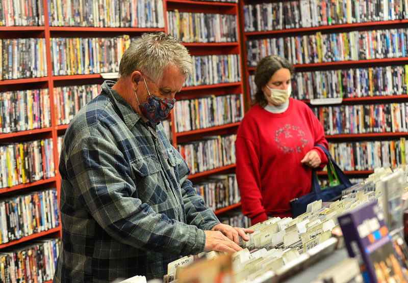 KRISTOPHER RADDER — BRATTLEBORO REFORMER<br /> Businesses in Brattleboro start to reopen their doors after being closed because of the COVID-19 pandemic.