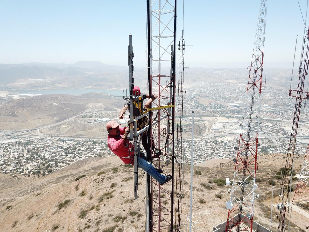 Replace UHF antenna