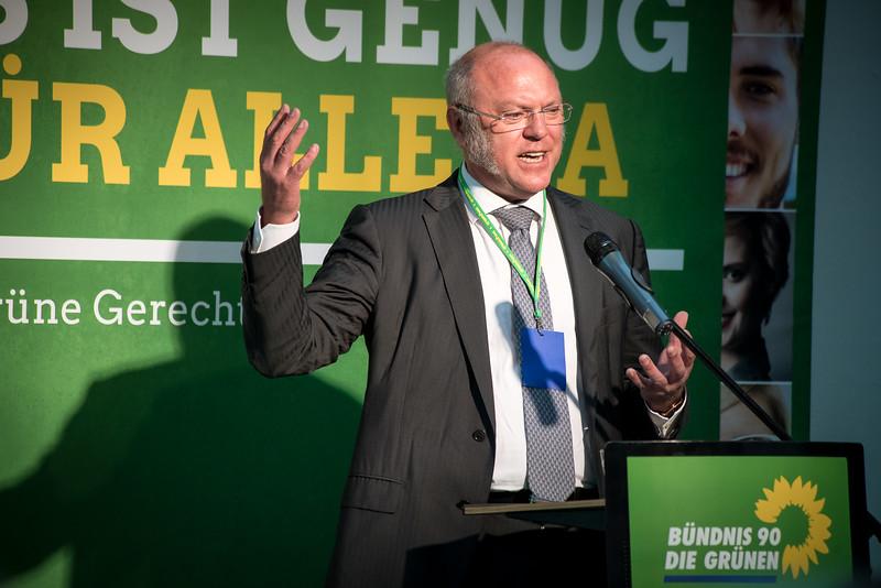 """Dr. Ulrich Schneider auf dem Gerechtigkeitskongress """"Es ist genug für alle da"""" von Bündnis 90 Die Grünen, FORUM Factory, Berlin, 17. Juni 2016"""