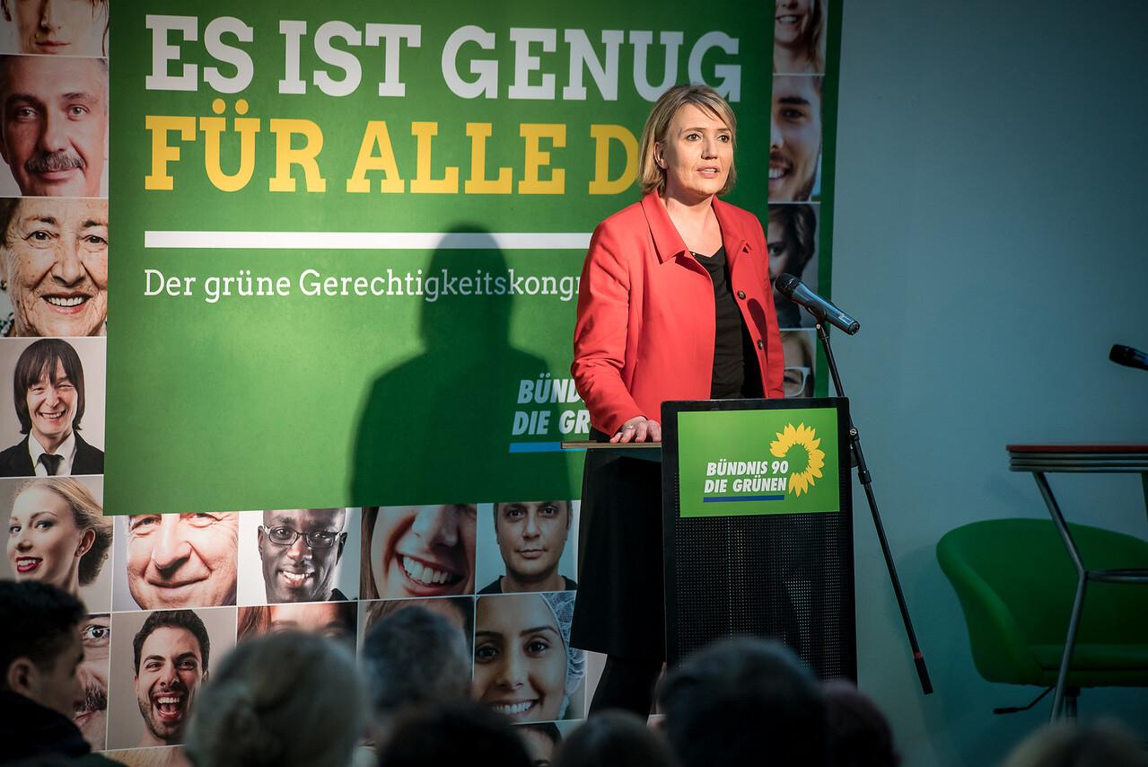 """Simone Peter auf dem Gerechtigkeitskongress """"Es ist genug für alle da"""" von Bündnis 90 Die Grünen, FORUM Factory, Berlin, 17. Juni 2016"""