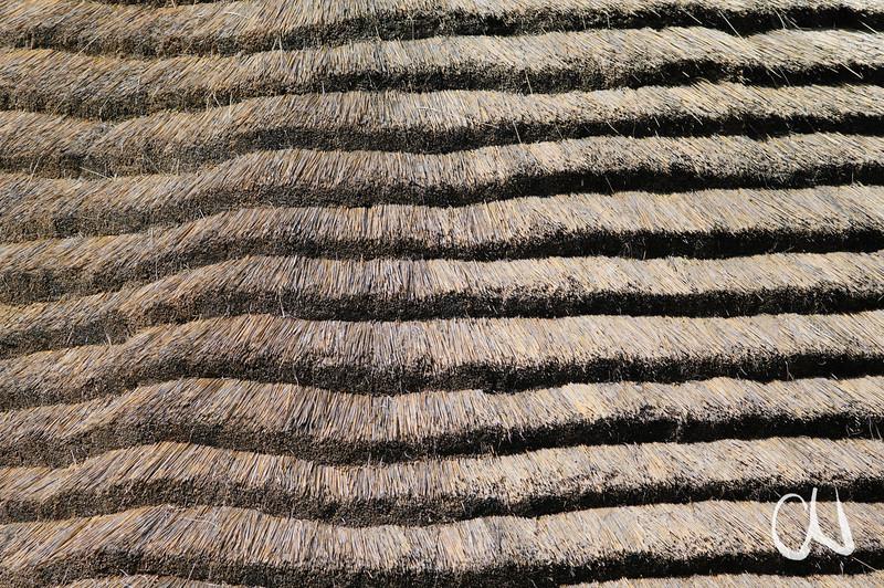 mit Gras gedecktes Dach, Golden Gate, Nationalpark, Drakensberge, Südafrika, South Africa, Basotho Cultural Village, Golden Gate National Park, nördliche Drakensberge, Free State, Südafrika