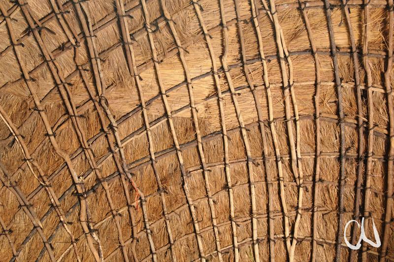 Innenansicht einer mit Gras gedeckten Zuluhütte, Greater St. Lucia Wetland Park, iSimangaliso-Wetland-Park, Nationalpark, national park, KwaZulu-Natal,Südafrika, South Africa