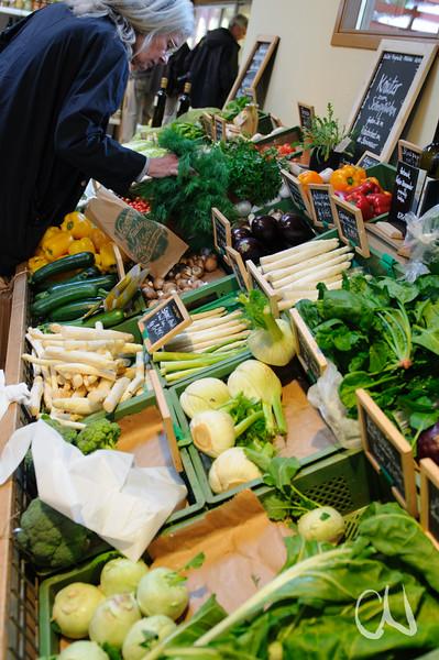 Gemüse im Hofladen der Domäne Fredeburg, Biohof, Demeter, WWF Ostseelandwirt des Jahres, Ostseepreis 2014, Fredeburg, Schleswig-Holstein, Deutschland