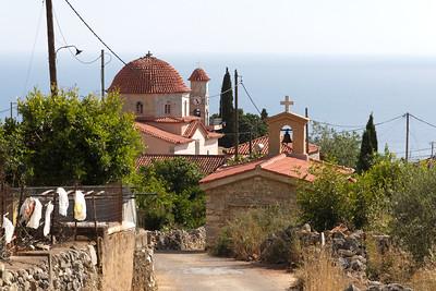 Kardamyli ist ein kleiner Urlaubsort mit typisch griechischem Charakter. Das Ortsbild wird geprägt durch bezaubernde traditionelle Steinhäuser, stattliche Villen, gepflegte Gärten und einen malerischen Hafen.