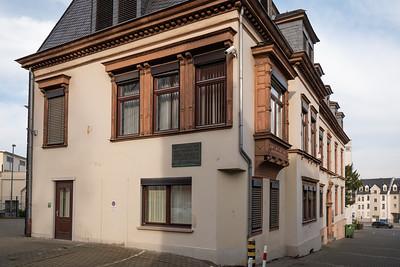 """In diesem ehemaligen Verwaltungsgebäude entschied 2014 Ernst Leitz II die Leica von Oskar Barnack zu fertigen. """"Ich entscheide hiermit: Es wird riskiert""""."""