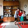 Visite dans les familles des enfants du centre.