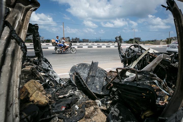 PHOTO OLIVIER PONTBRIAND LA PRESSE. -  GAZA  - 15 Juillet 2014<br /> Dans cette Photo: Apres huit jours de combat entre israel et le hamas  -30-  reference # 690868 Section: General<br /> <br /> <br /> PHOTO OLIVIER PONTBRIAND LA PRESSE.  - Gaza strip - July 15 2014.<br /> In this Picture:  After eight days of combat between hamas and israel.