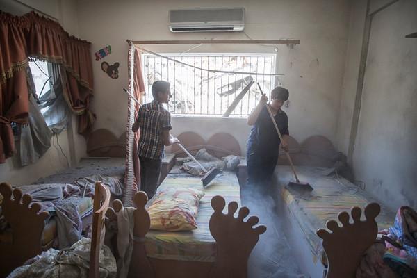 PHOTO OLIVIER PONTBRIAND LA PRESSE. -  GAZA  - 18 Juillet 2014<br /> Dans cette Photo:  la maison de la famille el khudar. 11 jours de combats entre israel et le hamas. la ville se reveille et compte ses morts apres l,invasion terrestre de l,armee Israelienne  -30-  reference # 690868 Section: General