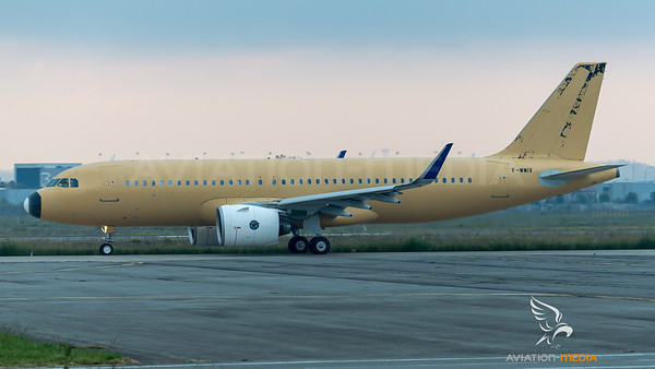 Airbus Industries / Airbus A320-271N / F-WWIV
