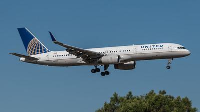 United / Boeing B757-224(WL) / N17139