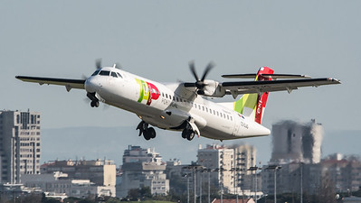 TAP Express / ATR 72-600 (72-212A) / CS-DJG