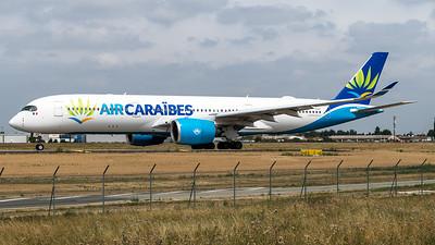 Air Caraibes / Airbus A350-941 / F-HHAV