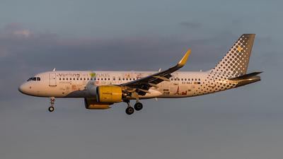 Vueling / Airbus A320-271N / EC-NAJ / We Love Planes Livery