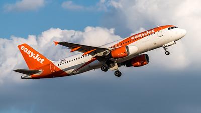 EasyJet Europe / Airbus A320-214 / OE-IVO