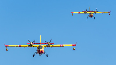 Securite Civile / Canadair CL-415 / F-ZBFY 35 F-ZBFN 33